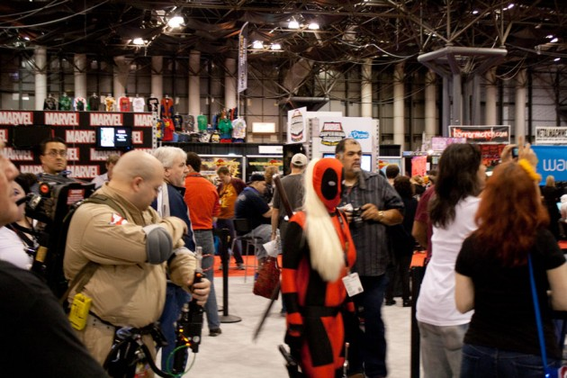 Photo of Lady Deadpool and others at the convention