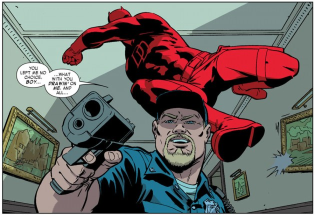 Daredevil attacks from behind, as seen in Daredevil #29, by Mark Waid and Javier Rodríguez