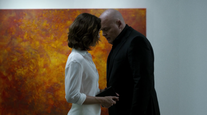 Vanessa and Wilson Fisk meet again at the art gallery, as seen in Marvel's Daredevil, episode four