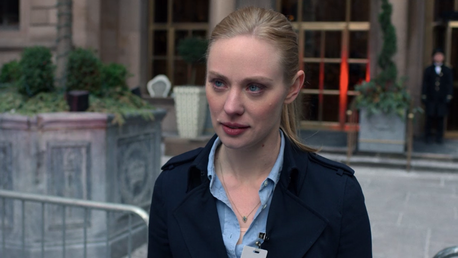 Karen outside the Presidential Hotel, as seen in Marvel's Daredevil, season three episode three