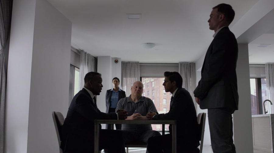 Fisk and the FBI agents sit down to talk, as seen on Marvel's Daredevil season 3, episode 5